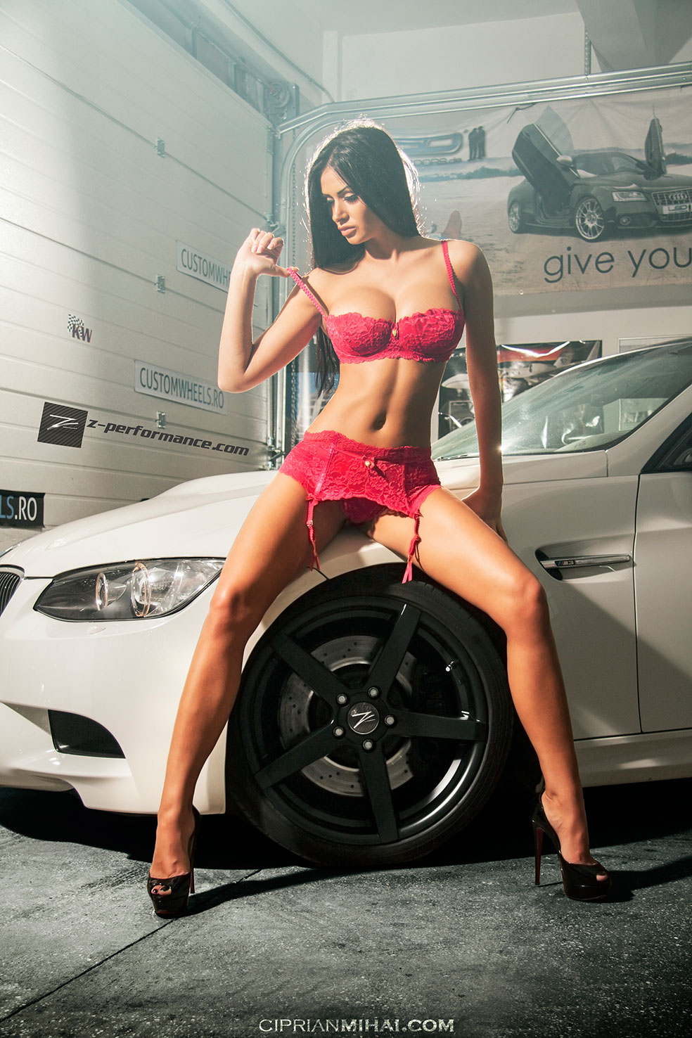 Girl paints volkswagen nude hood